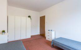 4 pokoje i mieszkania pod opieką innesty